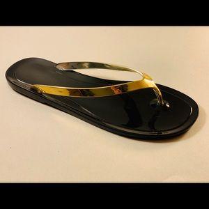 Nine West flip flop Black and gold. Size 6.new